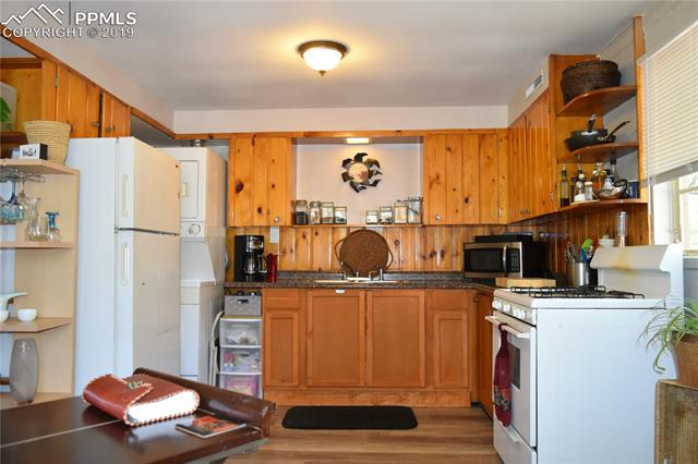 MLS# 3396912 - 12 - 206 Roca Street, Manitou Springs, CO 80829