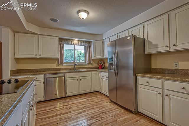 MLS# 4846556 - 17 - 2732 Northcrest Drive, Colorado Springs, CO 80918