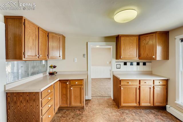 MLS# 6752526 - 7 - 915 Sahwatch Street, Colorado Springs, CO 80903