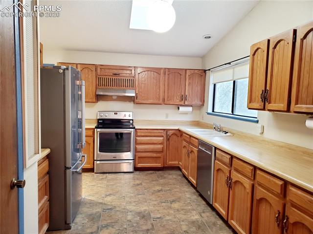 MLS# 6471569 - 4 - 11440 Valle Verde Drive, Colorado Springs, CO 80926