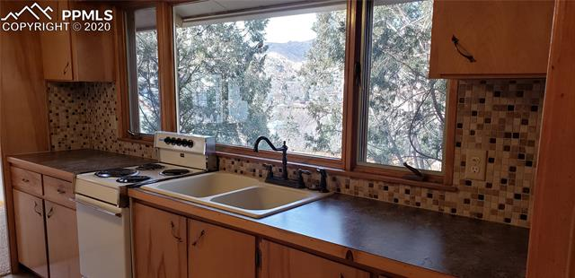 MLS# 4585119 - 27 - 107 Elk Path , Manitou Springs, CO 80829