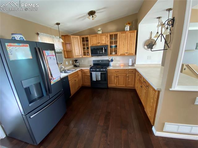 MLS# 4836031 - 4 - 9530 Oak Tree Court, Colorado Springs, CO 80925
