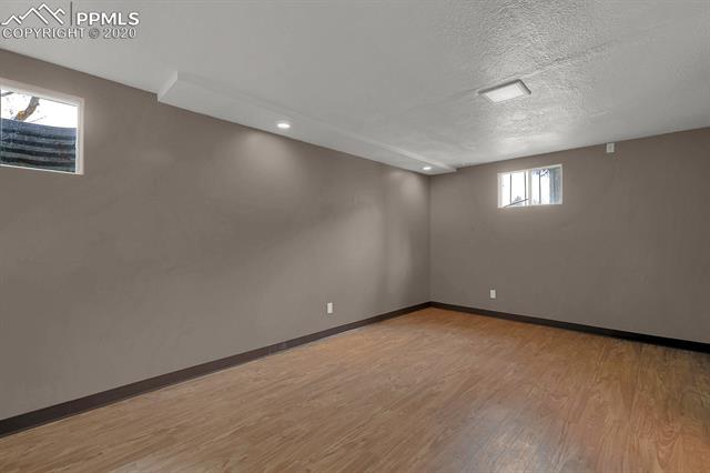 MLS# 9217502 - 32 - 414 Redwood Drive, Colorado Springs, CO 80907