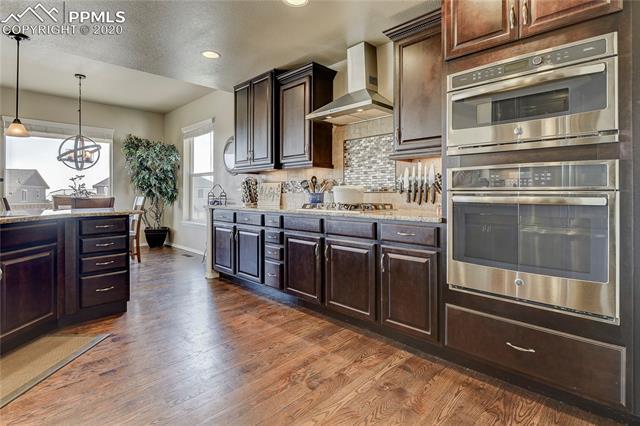 MLS# 1081488 - 16 - 6043 Wolf Village Drive, Colorado Springs, CO 80924