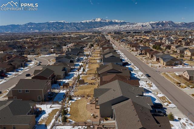 MLS# 1081488 - 36 - 6043 Wolf Village Drive, Colorado Springs, CO 80924