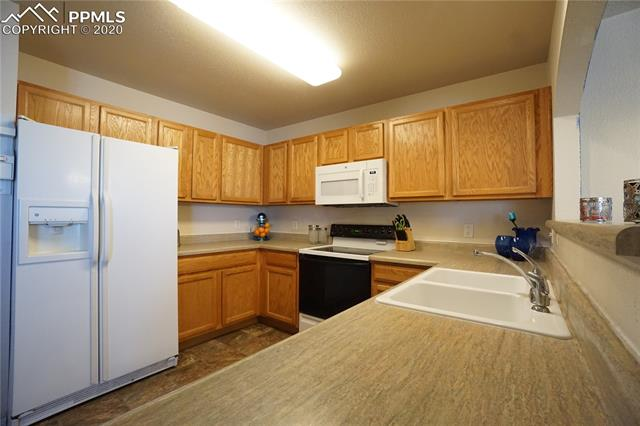MLS# 7058943 - 11 - 3127 Hearthridge Circle, Colorado Springs, CO 80918