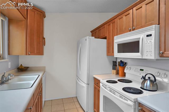 MLS# 3067940 - 11 - 3580 Cragwood Place, Colorado Springs, CO 80907