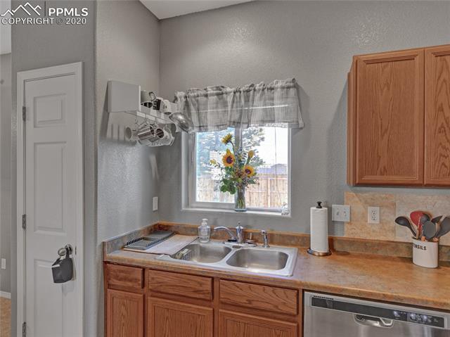 MLS# 3327897 - 13 - 7411 Countryside Grove, Fountain, CO 80817