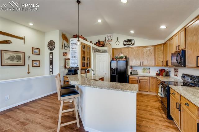 MLS# 8664385 - 7 - 527 Shrubland Drive, Colorado Springs, CO 80921