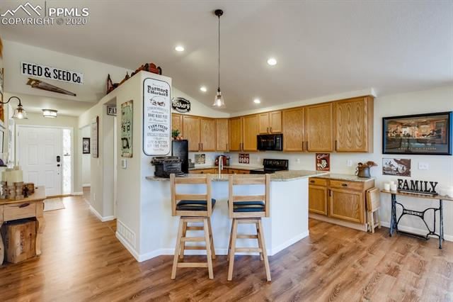 MLS# 8664385 - 8 - 527 Shrubland Drive, Colorado Springs, CO 80921