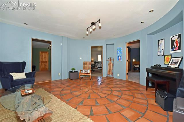 MLS# 3830532 - 42 - 1050 Neon Moon View, Manitou Springs, CO 80829