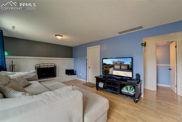 MLS# 9308293 - 19 - 5645 Tuckerman Drive, Colorado Springs, CO 80918