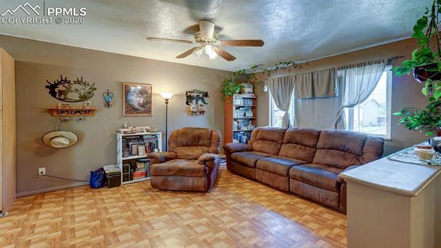 MLS# 1075294 - 9 - 1069 Cambridge Avenue, Colorado Springs, CO 80906