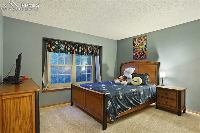 MLS# 3301369 - 28 - 1343 Chesham Circle, Colorado Springs, CO 80907