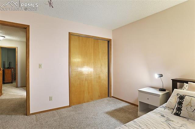 MLS# 3301369 - 32 - 1343 Chesham Circle, Colorado Springs, CO 80907