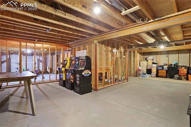 MLS# 3301369 - 35 - 1343 Chesham Circle, Colorado Springs, CO 80907