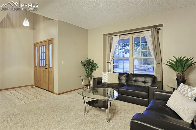 MLS# 3301369 - 8 - 1343 Chesham Circle, Colorado Springs, CO 80907